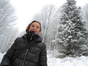 Elena nella faggeta di rientro al Piancavallo