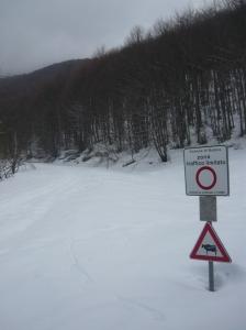Cartello che a noi indica quanta neve c'è e nulla di più