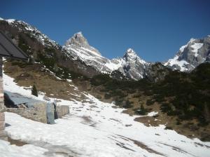Vista da Casera Lodina sul Duranno e cima dei Frati