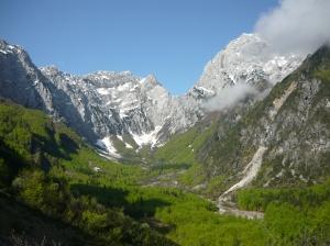 Val Cialedina con il monte Teverone e il Col Nudo
