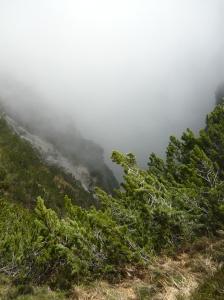 Le nuvole impediscono la visuale a sud