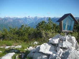 Vista dalla cima verso il Lodina, Duranno, cima Frati e cima Preti