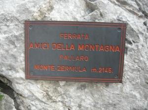 """Tabella della ferrata """"Amici della Montagna"""""""