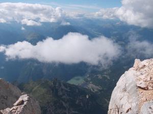 Dalla cima, Alleghe e il suo lago