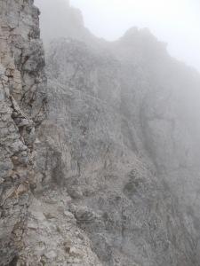 Breve cengia sulle spettacolari pareti del montasio