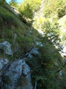 Corda lungo il sentiero CAI 925