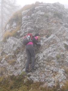 Mini arrampicata sulla paretina in forcella Racli