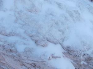 Neve e ghiaccio sulle rocce