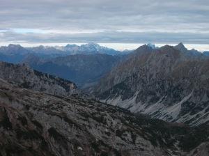 Val Salatis. Sullo sfondo il Civetta e un po' nascosto il Pelmo