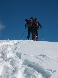 Evelyn e Tony in prossimità del rifugio Dolomites