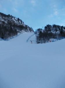 Salendo fra le piste da sci