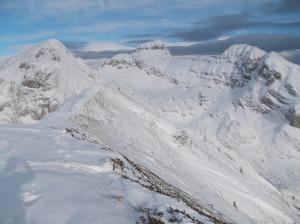 La bianca val Sughet con cima Palantina, cima Manera e Cimon dei Furlani