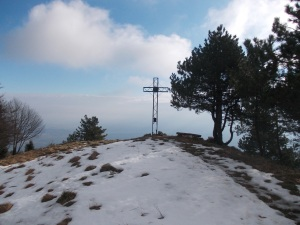 Croce di vetta a quota 1203 metri slm