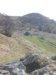 Casera Caseratte e il Col Ceschet