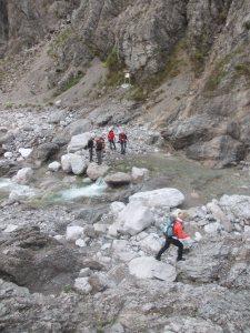 Attraversando il torrente Susaibes