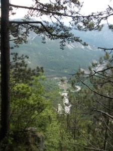 Lungo il sentiero CAI 444, vista verso Grauzaria