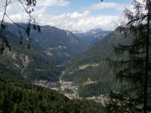 Panorama verso Cencenighe e la valle del Biois
