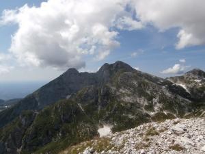 Cimon dei Furlani e cima Manera. In primo piano cima Valpiccola