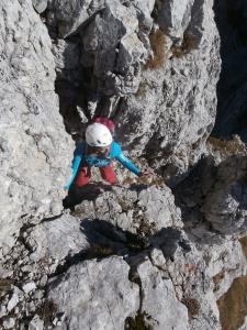 Manuela impegnata lungo un canale della cresta