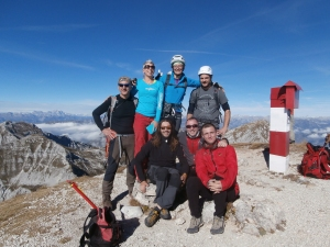 Cima Manera, 2251 metri slm. Tony, Manuela, Marzia, Gianluca, Stefano, io e Nicola.