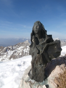 La Madonnina sulla cima