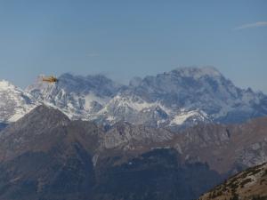 Il Civetta e l'elicottero del Soccorso Alpino