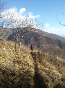 Laura lungo il sentiero CAI 984
