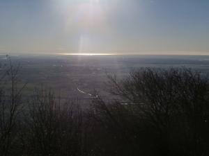 Panorama verso la pianura, il sole si riflette sul mare Adriatico