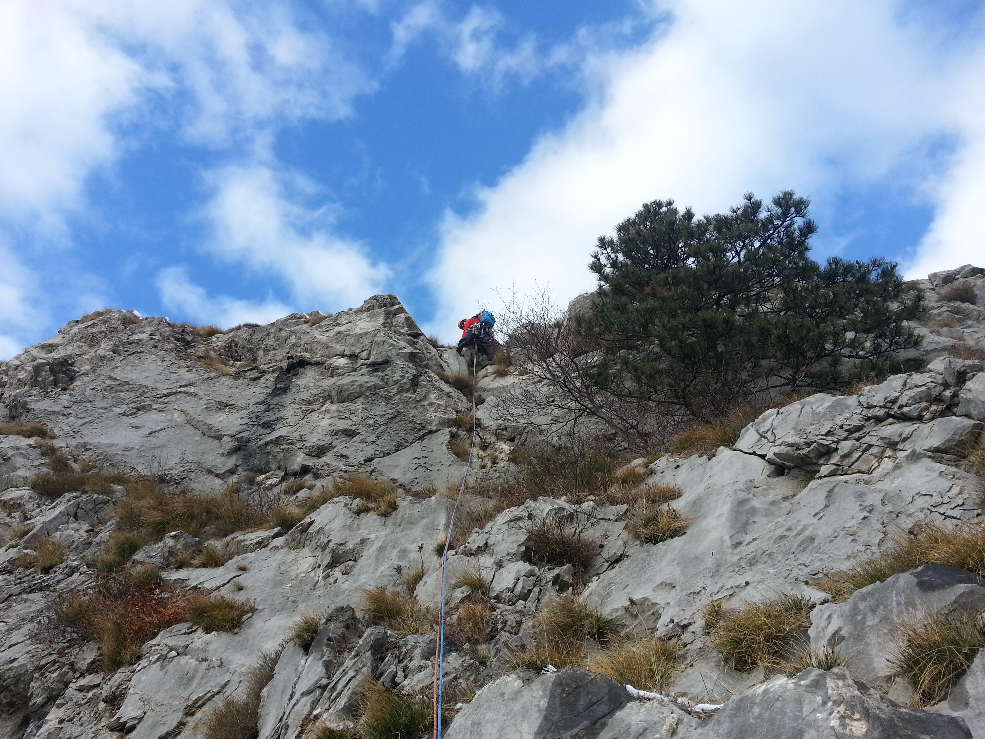 Arrampicando nel settore Rose d'Inverno in Val Rosandra  RITORNO ALLE ORIGINI