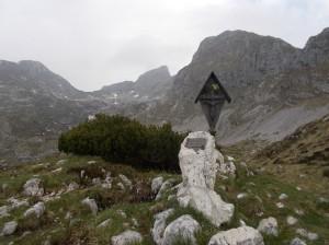 Ecco l'affilata cresta SE della Cima Manera