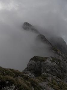 Fra le nubi, il Cimon dei Furlani