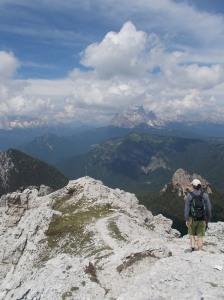 Verso passo Cibiana, ammirando le Dolomiti