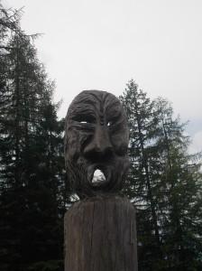 Maschera presso il rifugio