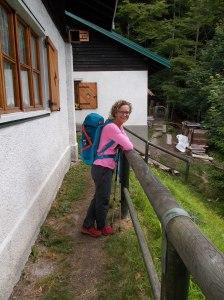 Valentina presso il rifugio Pordenone
