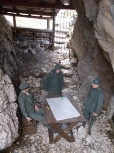 Trincea della Grande Guerra alle Cinque Torri