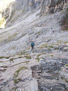 Valentina lungo il tratto attrezzato del sentiero CAI 713