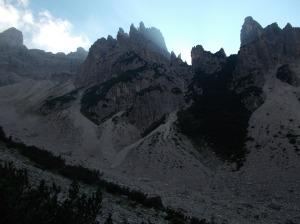 Il sole dietro al Castellato di Vedorcia