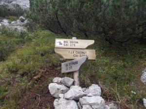 Bivio lungo il sentiero CAI 375