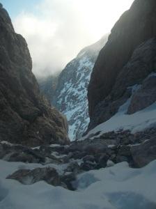 Nei canali finali fra neve, ghiaccio e sfasciumi