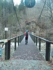 Lo stretto ponte
