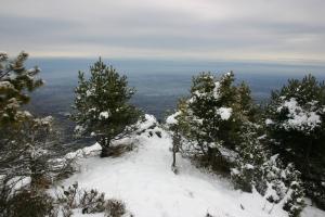 L'ometto del Toriòn e il bel panorama verso pianura