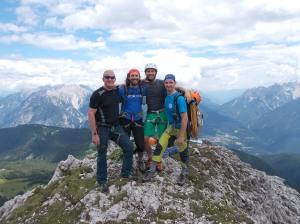 Foto di gruppo fuori dalle difficoltà