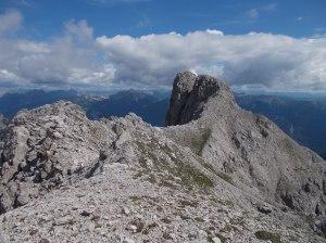 Il Pramaggiore e la forcella Alta visti dalla cima del Clap Grande, 2435 metri slm