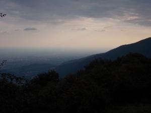 Il sole è già sceso dietro la montagna