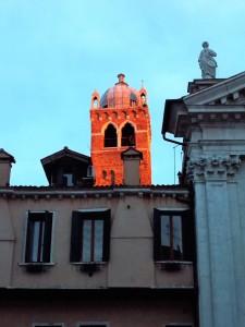 Fuoco sul campanile