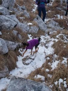 Zoe sulla sua prima neve