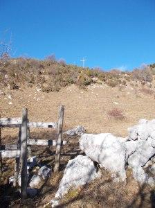La grande croce nei pressi di Busa Bravin