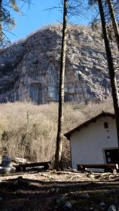 La falesia di Dardago, nel mezzo della val de Croda